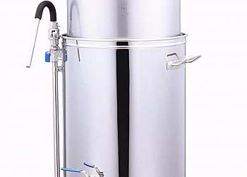 Máquina automática para fazer cerveja